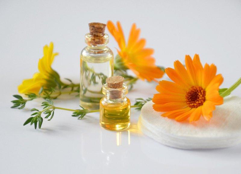 Jakie naturalne kosmetyki do masażu znajdziemy w salonie spa?
